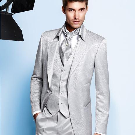 Inšpirácie pre elegantné svadobné outfity ženícha  3b0fad69b74