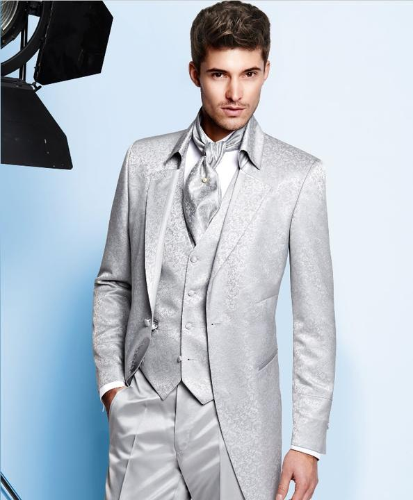 9985873a2c5e Aký svadobný oblek by si mal obliecť ženích - gentleman