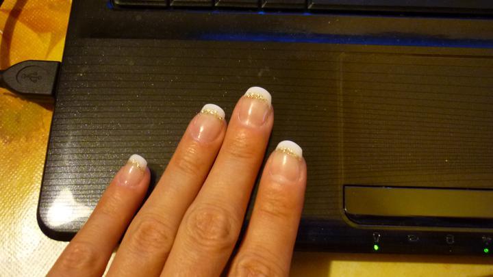 Skúška účes a make-up :-D a doplnky... - moje nechtíky :-)