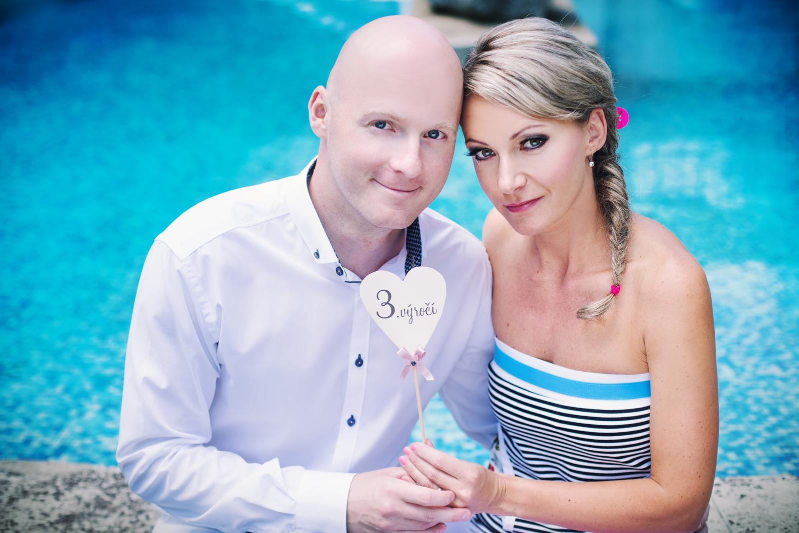 Šárka Janušová{{_AND_}}Patrik Kocourek - ...včera jsme měli 3. výročí svatby.....KNOFLÍKY LÁSKY...