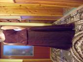 Bordové spoločenské šaty, 38
