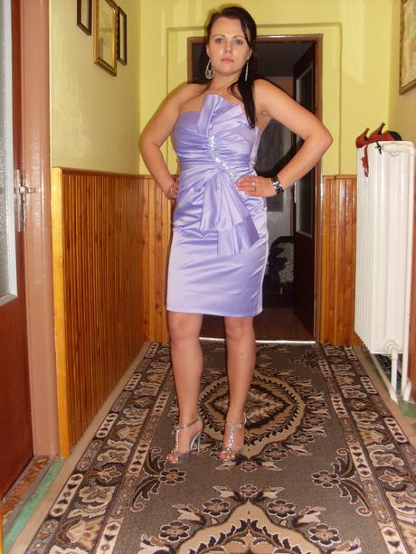 Spoločenské saténové fialkové Šaty - Obrázok č. 1
