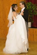 A tady je už náš první novomanželský tanec