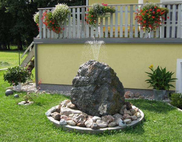 Voda v záhrade - Obrázok č. 13