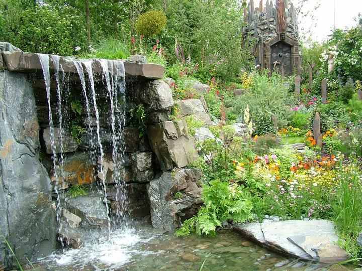 Voda v záhrade - vodopád v záhrade