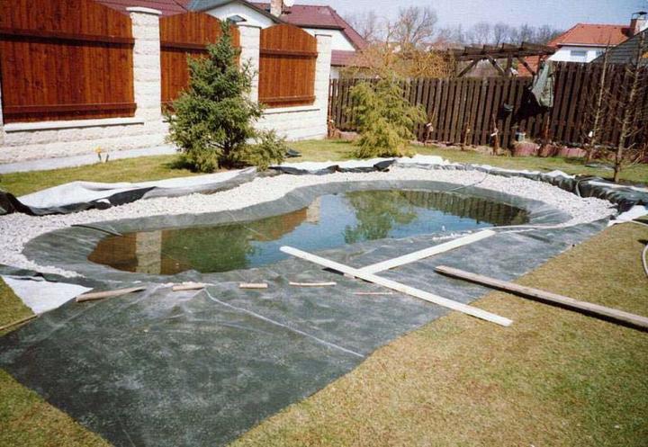 Voda v záhrade - Ako si urobit jazierko-podkladová folia