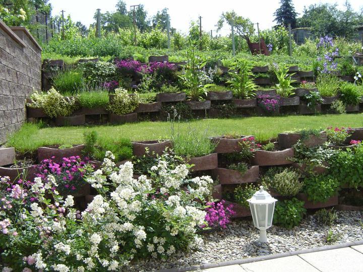 Skalky,skalničky a všeličo do záhrady - Obrázok č. 108