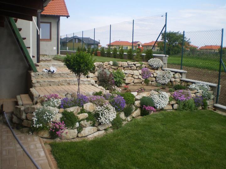 Skalky,skalničky a všeličo do záhrady - Obrázok č. 110
