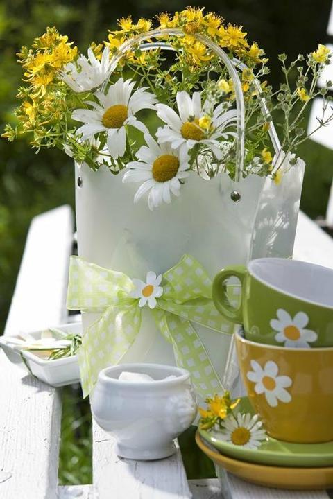 Dekorácie s lúčnymi kvetmi - Obrázok č. 5