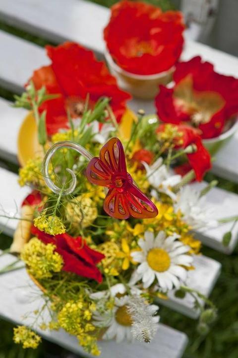 Dekorácie s lúčnymi kvetmi - Obrázok č. 7