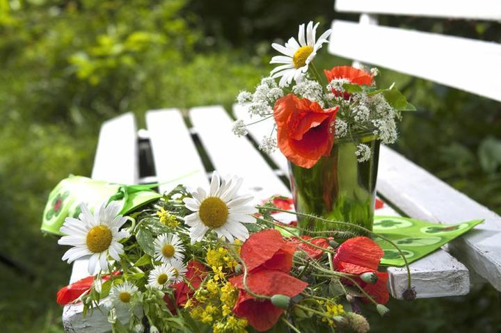 Dekorácie s lúčnymi kvetmi - Obrázok č. 10
