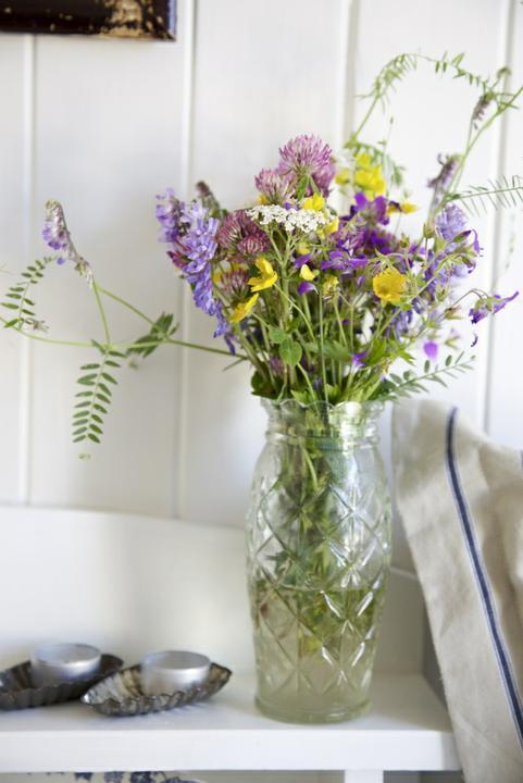 Dekorácie s lúčnymi kvetmi - Obrázok č. 21