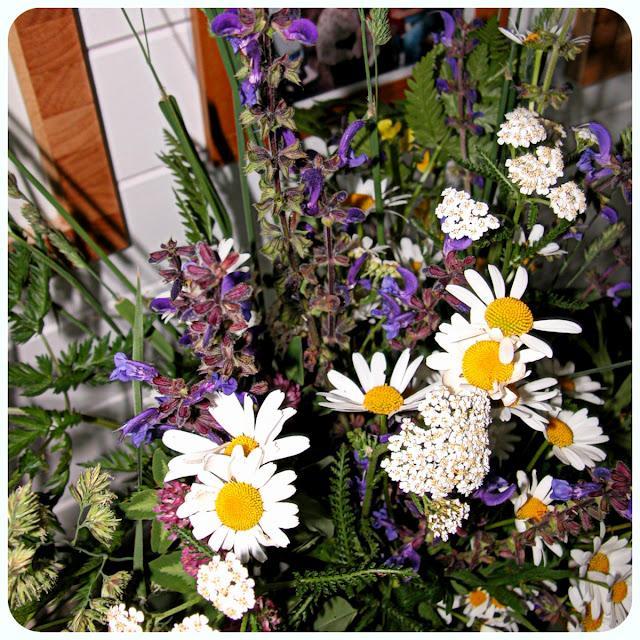 Dekorácie s lúčnymi kvetmi - Obrázok č. 22