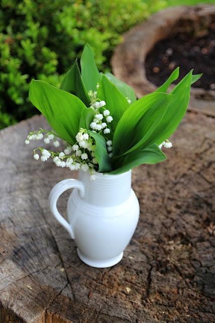 Dekorácie s lúčnymi kvetmi - Obrázok č. 25