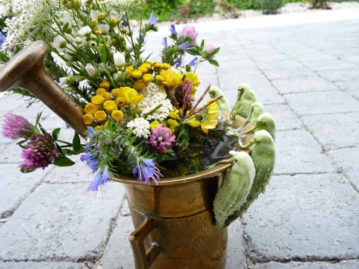 Dekorácie s lúčnymi kvetmi - Obrázok č. 27