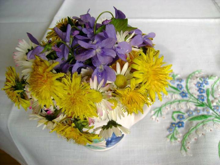 Dekorácie s lúčnymi kvetmi - Obrázok č. 28