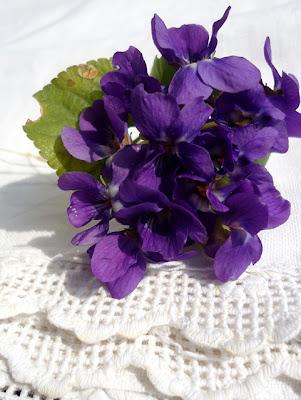 Dekorácie s lúčnymi kvetmi - Obrázok č. 40