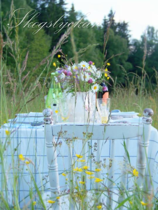 Dekorácie s lúčnymi kvetmi - Obrázok č. 45
