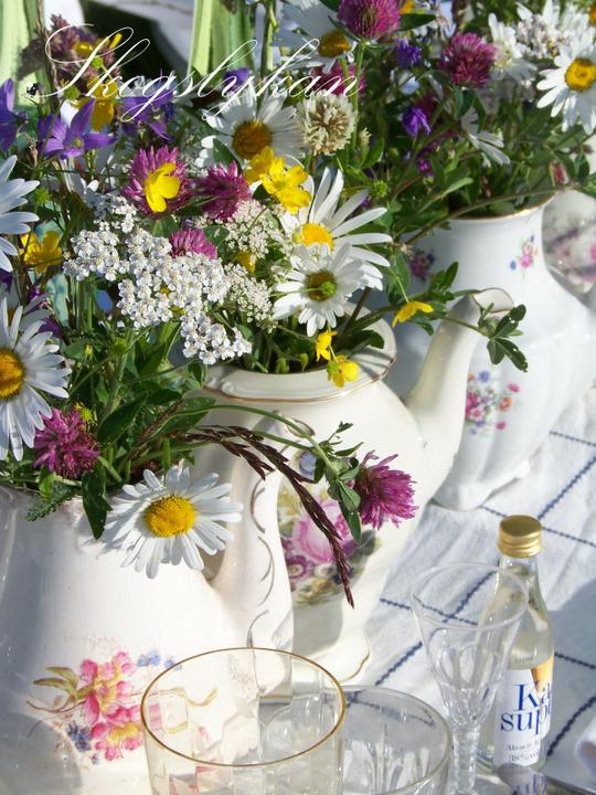 Dekorácie s lúčnymi kvetmi - neodolatelné kvietky