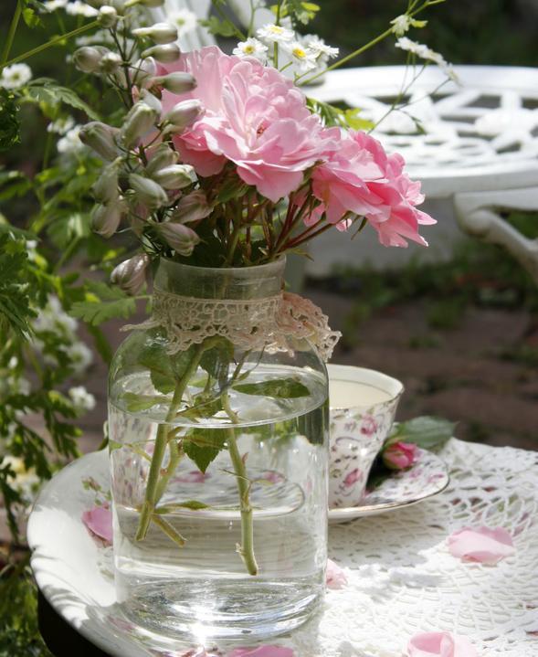 Dekorácie s lúčnymi kvetmi - Obrázok č. 59