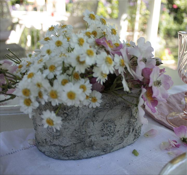 Dekorácie s lúčnymi kvetmi - Obrázok č. 67