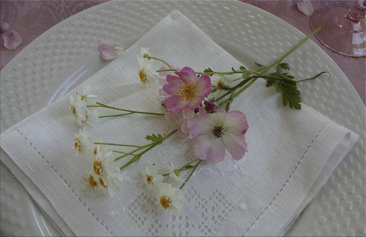Dekorácie s lúčnymi kvetmi - Obrázok č. 70