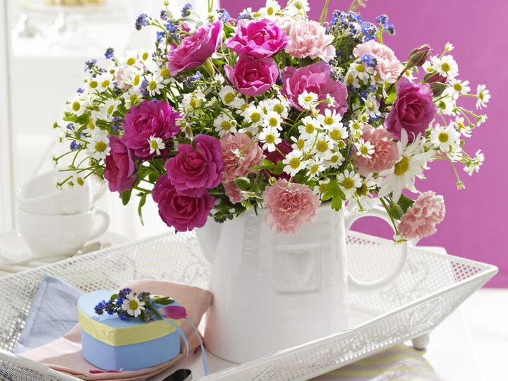 Dekorácie s lúčnymi kvetmi - Obrázok č. 76