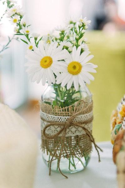 Dekorácie s lúčnymi kvetmi - Obrázok č. 91
