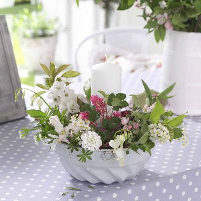 Dekorácie s lúčnymi kvetmi - Obrázok č. 93