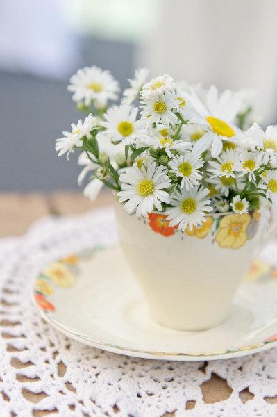 Dekorácie s lúčnymi kvetmi - Obrázok č. 94