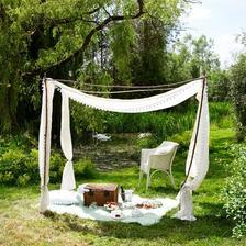 Niet nič krajšie,ako piknik na lúke pri jazierku