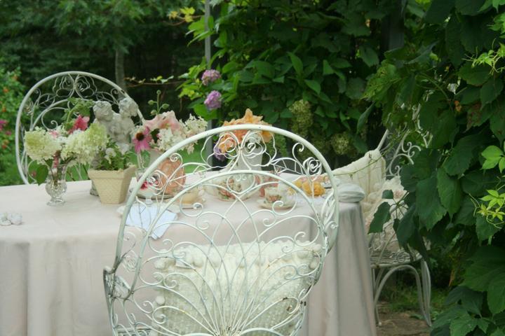 Krása divokej záhrady - pozvanie k rannej káve