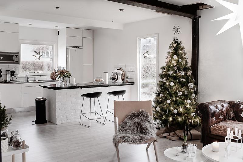 Škandinávsky interiér s vianočnou atmosférou - Obrázok č. 288