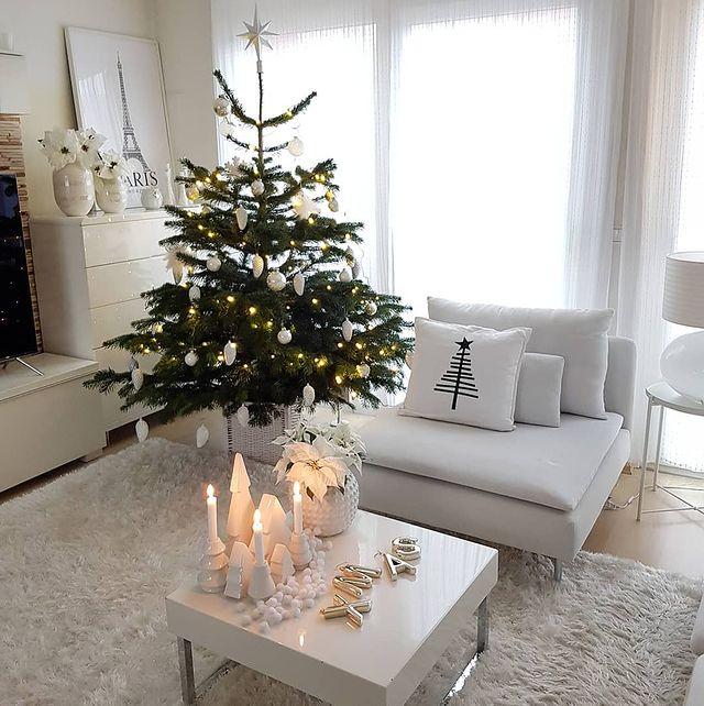 Škandinávsky interiér s vianočnou atmosférou - Obrázok č. 293