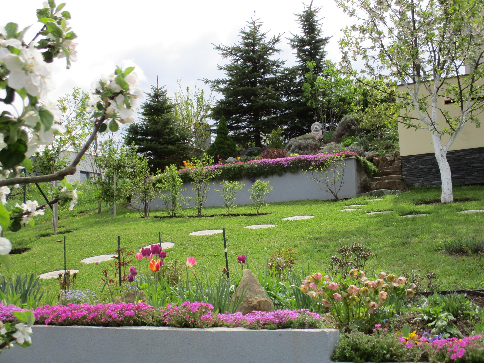 Jar v našej záhrade - Obrázok č. 25
