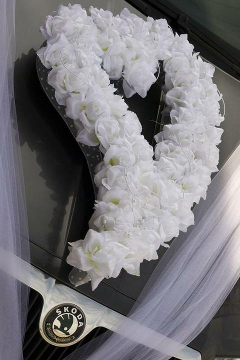 Co už máme ;-)))) - Na autinko pro nevěstu :-))))