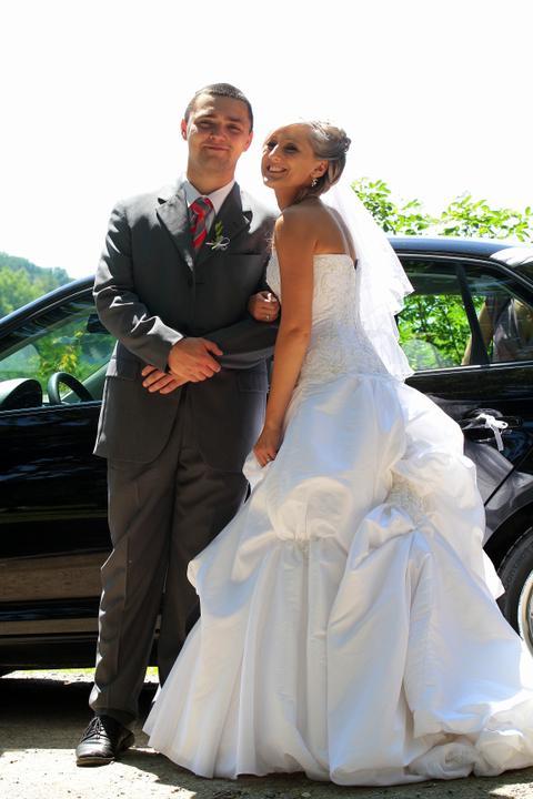 Pavlína Vepřeková{{_AND_}}Tomáš Slíva - S bratránkem alias řidičem nevěsty  :D :D :D