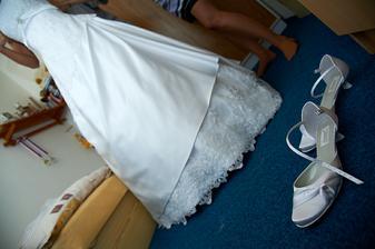 Poslední úpravy šatů