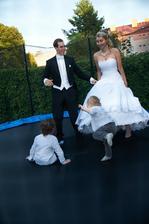 I ženich si zaskákal