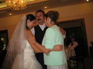 Tanec s rodicmi, v den svadby som mala aj meniny...