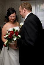 Předávání svatební kytice