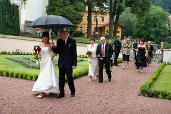 Příchod k zámku Potštejn