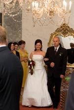 """Stále vysmátá nevěsta na cestě k """"oltáři"""""""