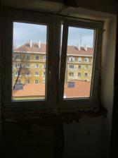 aj tu už je okno