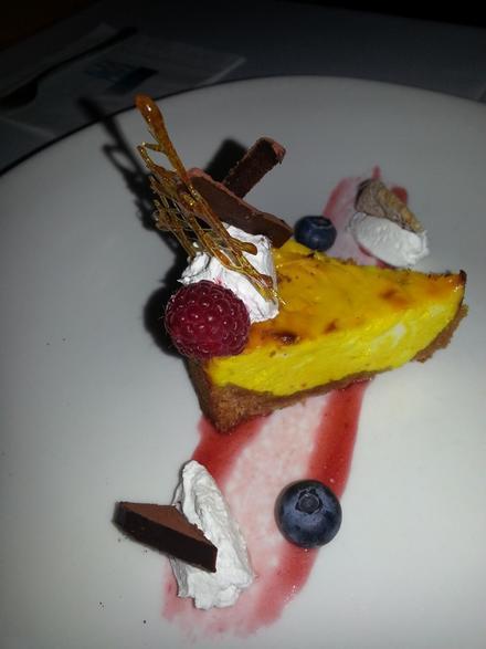 Degustační požitek - Dýňový cheesecake s horkou bílou čokoládou s cardamomem (