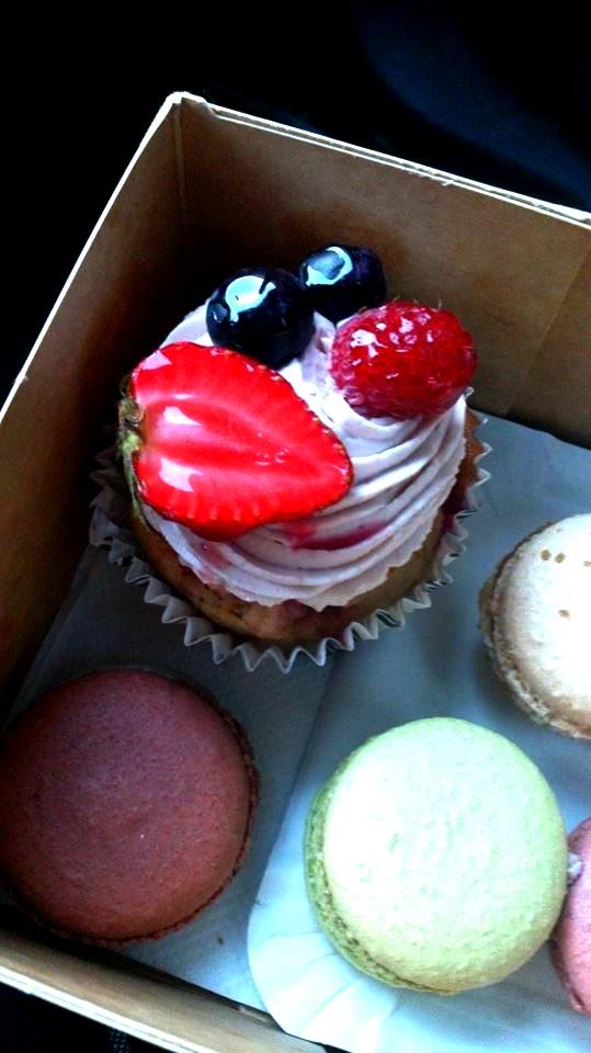 Degustační požitek - Konečně je venku trošku dýchatelno, tak jsem si dala i něco hříšného, můj první cupcake a asi i poslední, moc mi nejel:-(