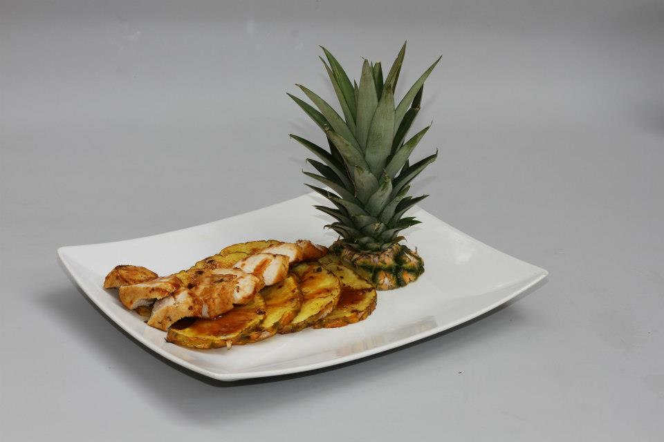 Degustační požitek - grilovaný krůtí špalíček s ananasem pečený v mléčném karamelu - pro milovníky sladko slaných kombinací