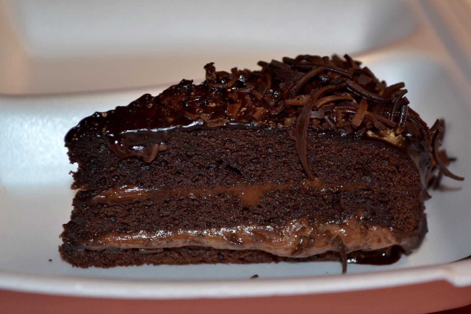 Degustační požitek - čokoládovo višňový dortík exkluzivní pochoutka pro milovníky čokolády