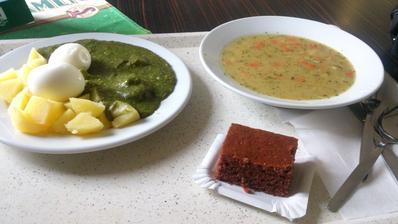 Dnešní oběd byla výzva 2 jídla který nenávidím- fazolová polévka a špenát no kupodivu se to dalo za 69Kč za menu nemůžu říct ani ťuk