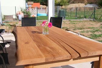Představuji Vám náš nový zahradní stůl